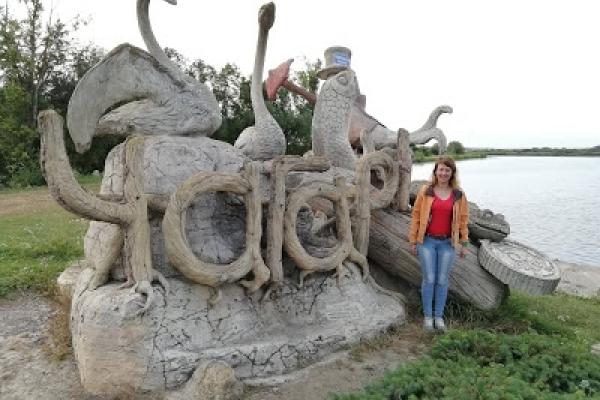 Унікальні статуї у селі на Тернопільщині (Фото)