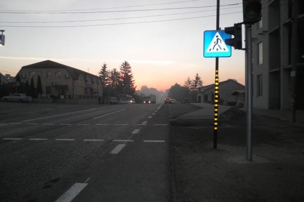 В Озерні європейський світлофор, завдяки перекриттю траси