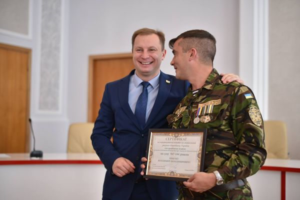 Степан Барна вручив військовослужбовцям сертифікати на придбання житла (Фото)