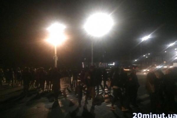 Під час перекриття дороги на Збаразькому кільці в Тернополі збили поліцейську