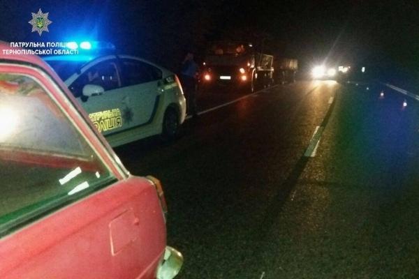 Деталі ДТП в Тернополі, під час несанкціонованого перекриття дороги, в якій серйозно простраждала патрульна, - офіційно (Фото)