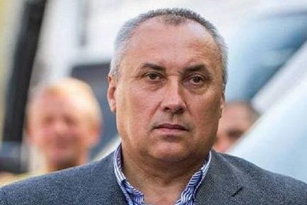 Один з мерів Тернопільщини сидить на двох стільцях