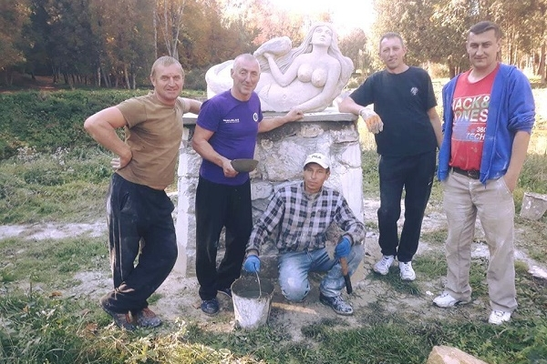 На Тернопільщині встановили нову скульптуру