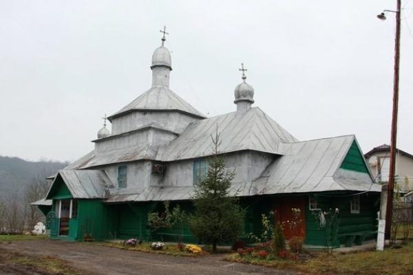 Церкви-«мандрівниці» нашого краю