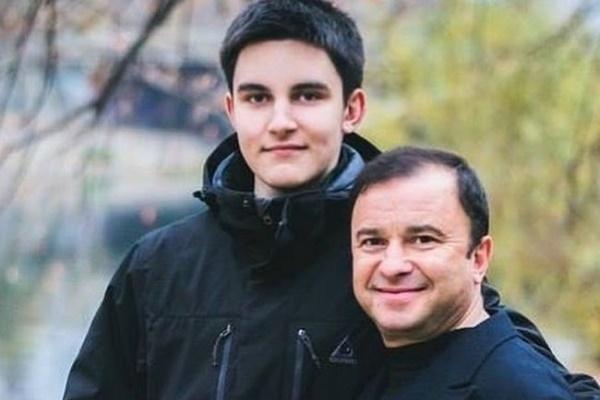 Віктор Павлік зупинив збір коштів на лікування сина