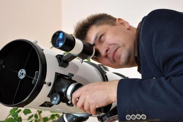 Чортківчанин показав неймовірні фотознімки Місяця
