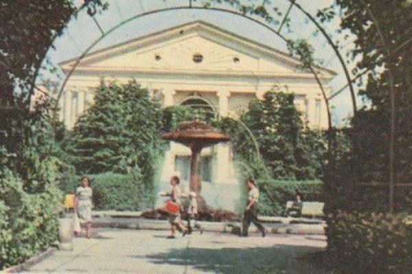 Затишний Тернопіль на листівках 1960-х років