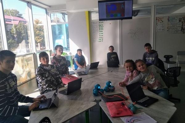 Близько дев'яноста дітей відвідали безкоштовні майстер-класи з візуального програмування