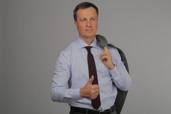 Електронні вибори впевнено виграє Наливайченко