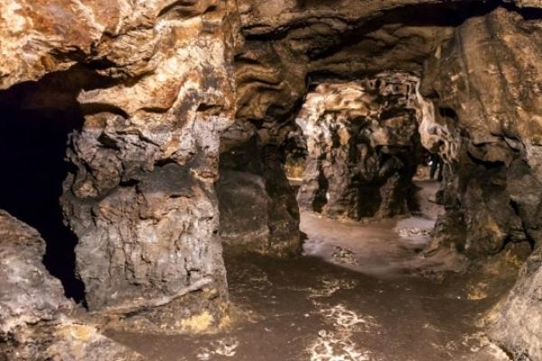 Археологи знайшли трипільську піч-лежанку в печері на Тернопільщині
