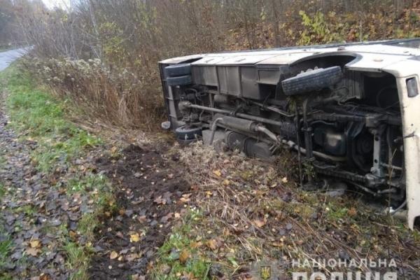 На Тернопільщині в аварію потрапив рейсовий автобус. Водій загинув