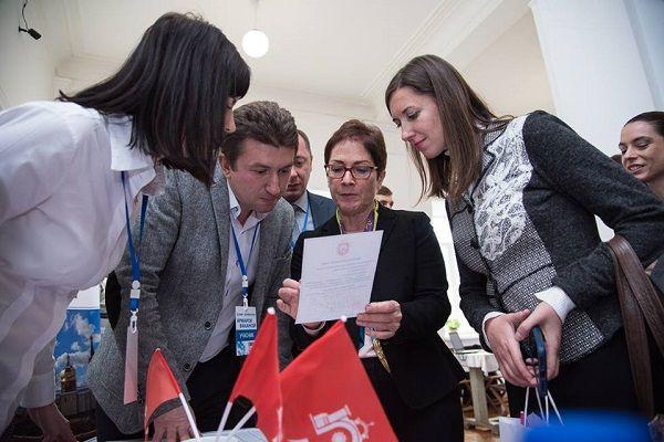На Ярмарку вакансій у Тернополі представляли себе об'єднані територіальні громади області (Фото)