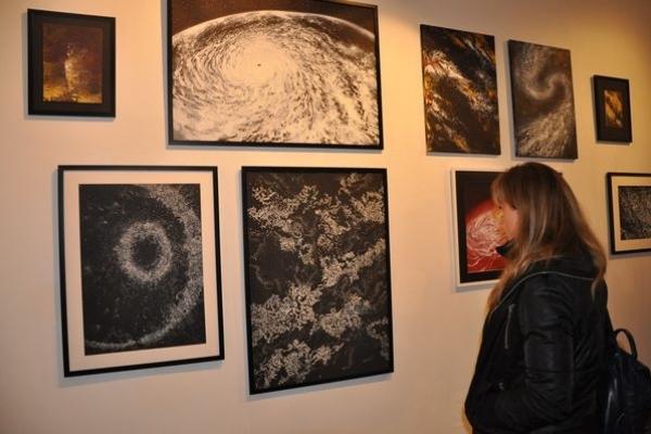 Дівчата абсолютно різні, але їх об'єднала «біла» виставка