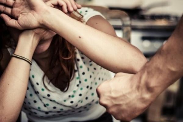 Ударив дружину, геть із квартири: в Україні почав діяти новий закон