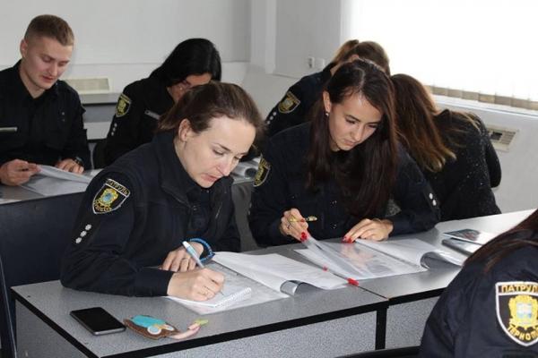 Тернопільські патрульні заговорять англійською