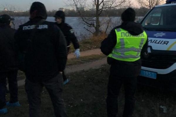 У Києві в авто знайшли обезголовлене тіло чоловіка (Відео)