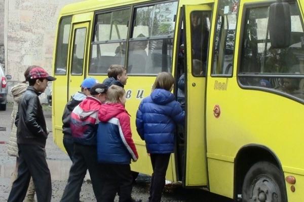 Тернопільські учні і студенти мають безкоштовний проїзд у комунальному транспорті