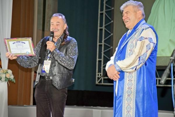 Сонячний маестро з Тернопільщини став пісенним рекордсменом