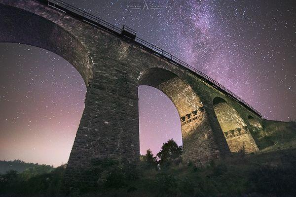 Унікальні світлини космічних об'єктів тернополяни фотографують з власних балконів