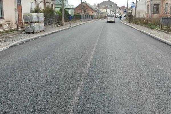 Проблемну ділянку дороги М-12 у Бережанах відремонтовано (Фото)