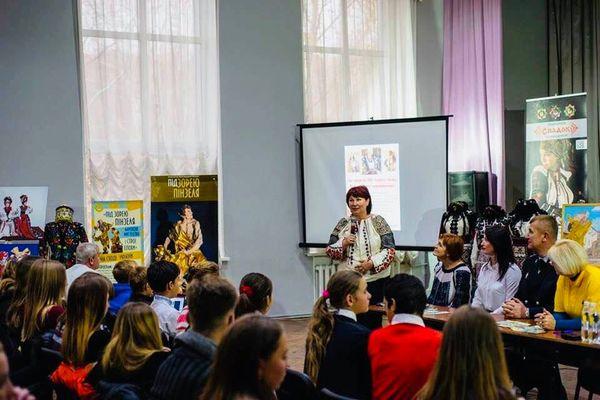 Тернополяни завершили презентацію проекту «Під Зорею Пінзеля. Барокове мистецтво та строї епохи» у Маріуполі