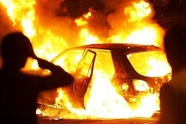 На Тернопільщині вщент згоріло авто (Фото)