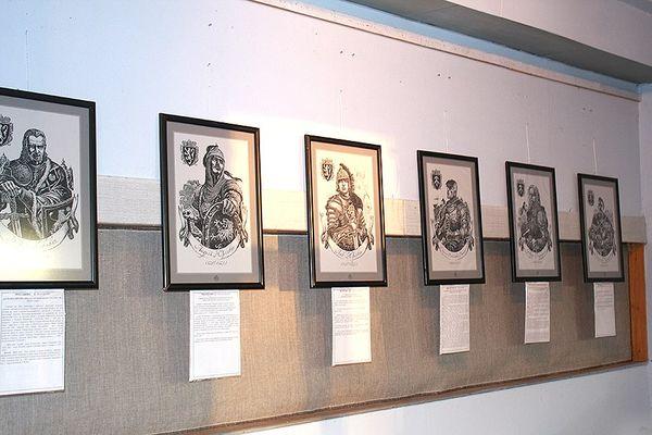 У Харкові відкрили виставку тернопільського художника Олега Кіналя «Князі України-Русі, Історія еліт»