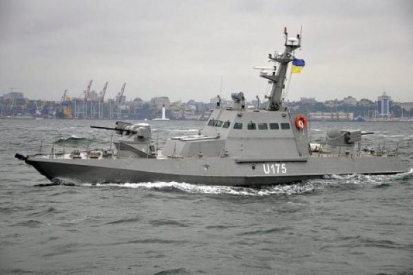 Росія атакувала українські кораблі в Азовському морі