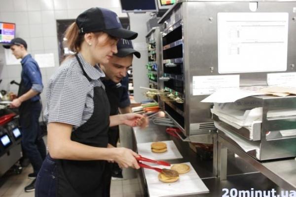 Із чого готують бургери та морозиво у «МакДональдз»