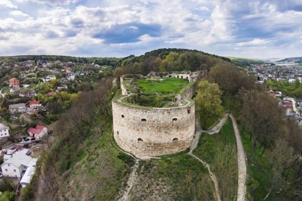 Величні руїни Теребовлянського замку (Відео)