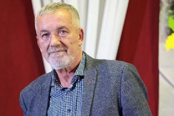 Тернопільський поет Олександр Смик отримав звання «Заслужений діяч мистецтв України»