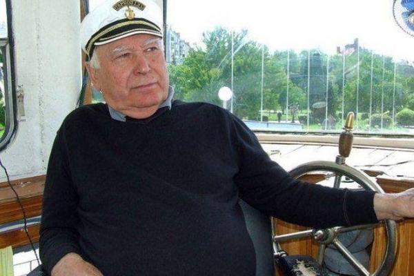 У Тернополі попрощались з легендарним капітаном Тарасом Парієм (Відео)
