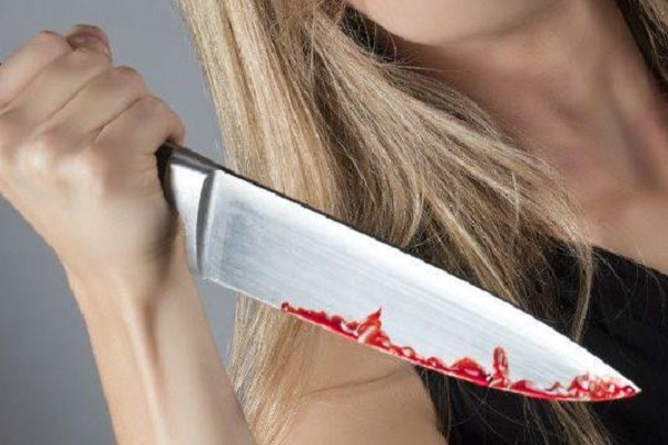 В Гусятинському районі жінка напідпитку поранила свого співмешканця ножем