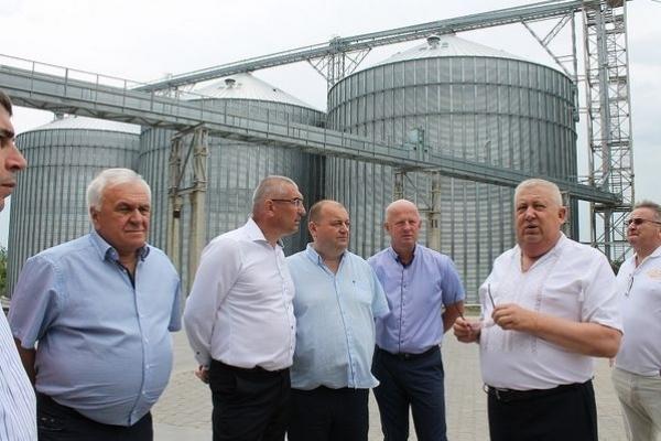 Микола Пилипів, заслужений працівник сільського господарства України: «Аграрний комплекс – локомотив економіки»