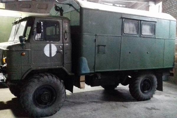 Тернопільським воїнам передали запчастини для похідного автоклубу