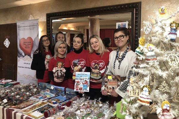 Ярмарок благодійності: дівчата із Союзу Українок Америки долучилися до збору коштів для купівлі медобладнання дітям Тернопільщини