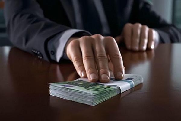 У Тернополі прокуратура затримала керівника державного підприємства