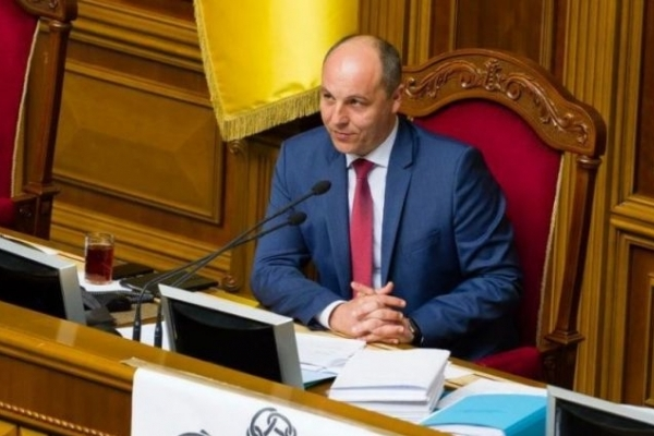 Закон про московську церкву передано на підпис Порошенкові