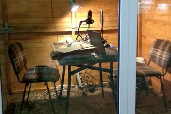 Ведучих шукає «Радіо ТЕ», яке працюватиме у «Зимовому містечку» у центрі Тернополя