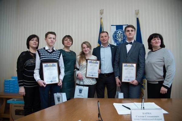 Школярка з Тернопільщини отримуватиме стипендію президента