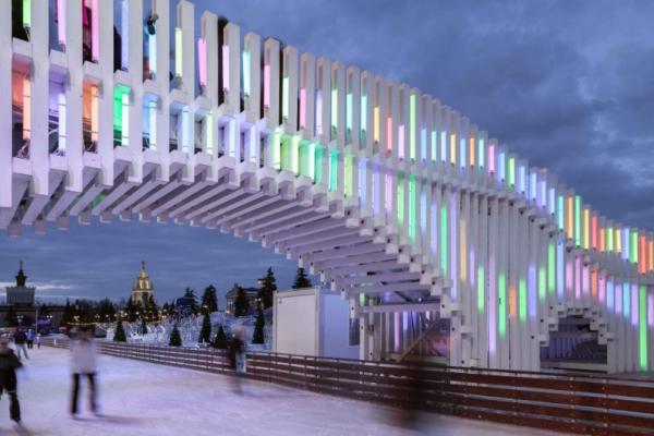 В першу хвилину Нового року у Москві обвалився міст (Відео)