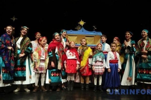 У Тернополі різдвяний вертеп можна замовити через інтернет