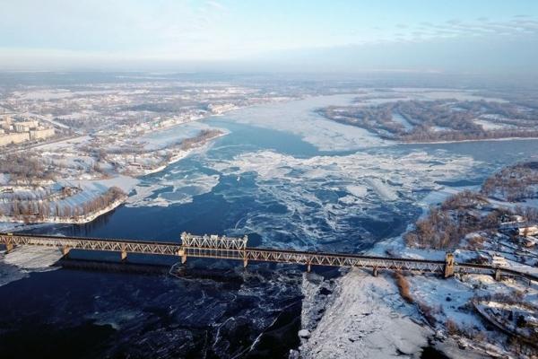 З'явилися нові світлини зимового Дніпра з висоти пташиного польоту