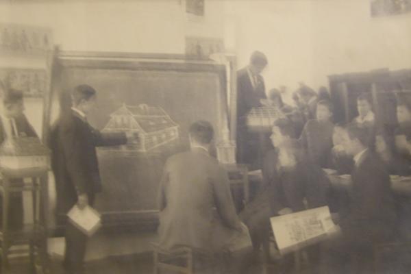 Як навчались в Кременці 80 років тому