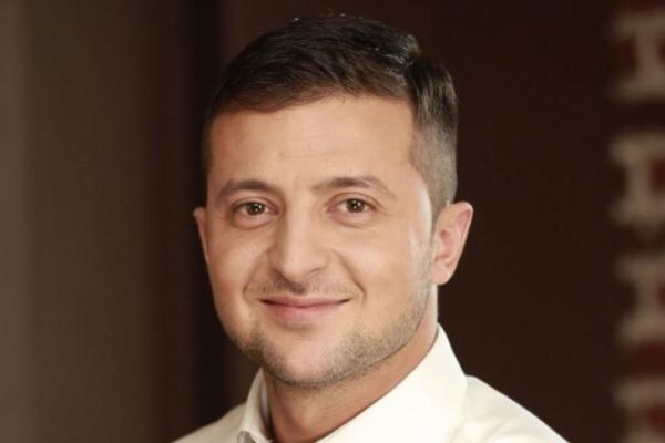 Блогер: З перших кроків у політиці Зеленський обманює, накручуючи популярність, якої немає