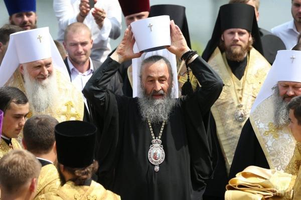 На Чернівеччині перед Різдвом московські попи обікрали церкву, яка перейшла до ПЦУ