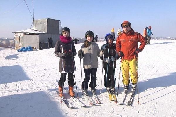 Витяг для санок та сноутюбів запрацює на найбільшій гірці Тернополя
