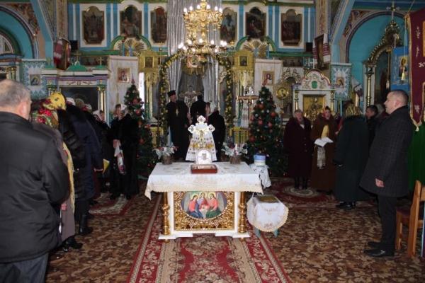 На Лановеччині провели фестиваль «Від церкви до церкви йдем колядувати»