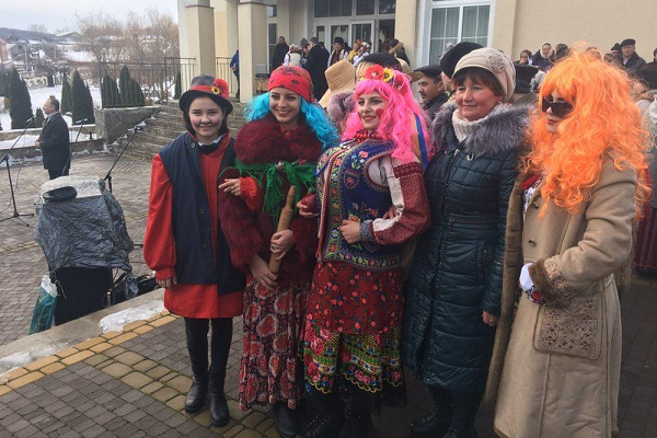 На Тернопільщині гучно справляють свято Маланки (Фото)
