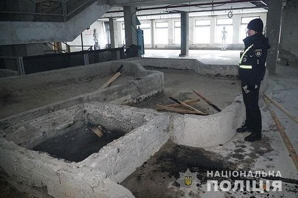 В недобудованому приміщенні бібліотеки у Тернополі виникла пожежа